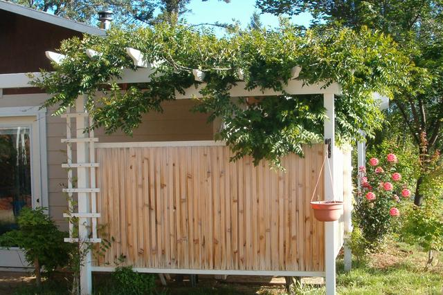 Pdf how to build an outdoor privacy screen plans free for How to build a privacy screen outdoor